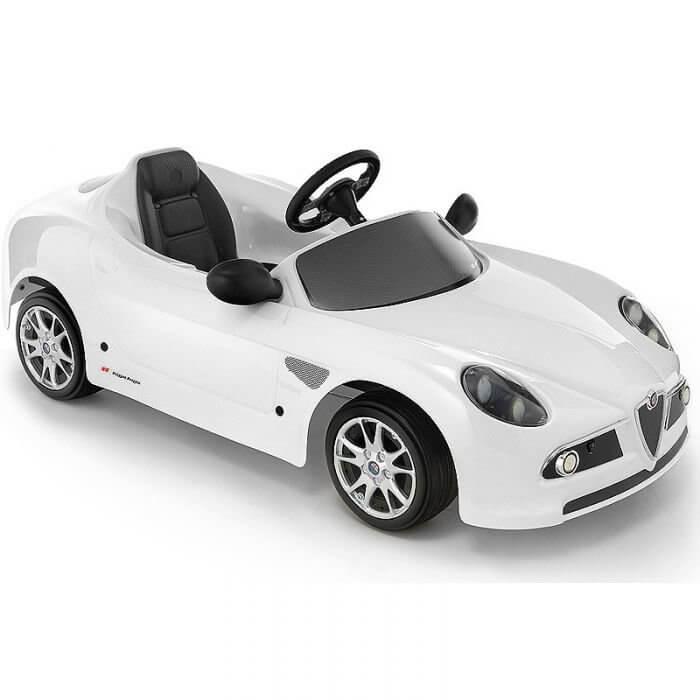 Детский электромобиль — лицензионная копия настоящего авто